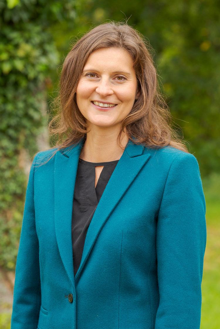 1. Sprecherin Olivia Kreyling (© Anton Mirwald)